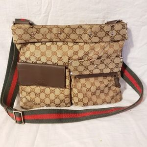 Gucci authentic  medium messenger bag